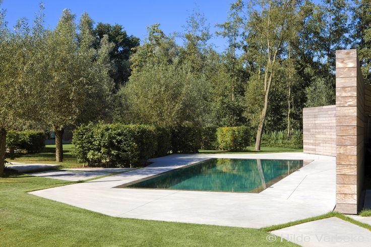Buiten zwembad, zwembad, overloopbad, privé zwembad, betonnen zwembad