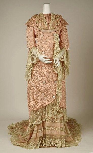Домашняя одежда викторианской эпохи: неглиже, утренние платья и пеньюары 1880-90-х годов.