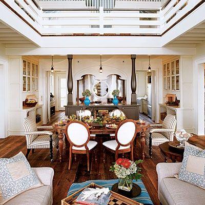2003   St. Simon's Island, GA   Living Room   Designer: Linda Woodrum
