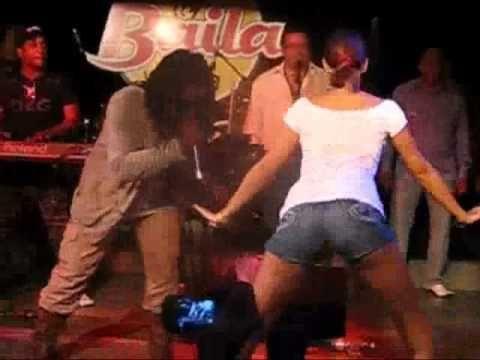 Los Van Van y Mayito Rivera. Si o no: una rusa bailando reggaeton