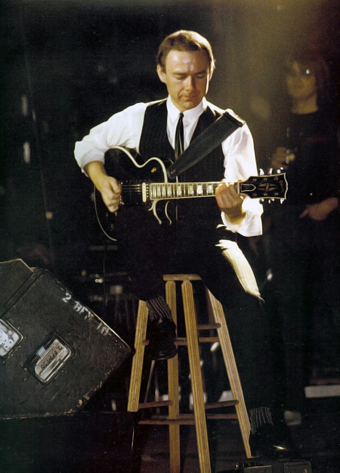 Martin Freidman plays Robert Fripp in the new King Crimson film...wow!