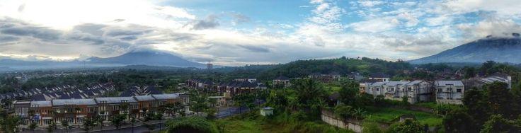 Hotel Aston Bogor dengan pemandangan gunung Pangrango dan gunung Salak