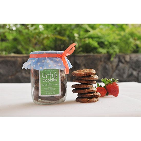 Almond-choco-oatmeal Cookies | Terbuat dari: almond, cokelat, oatmeal, tepung terigu, sugar, salt