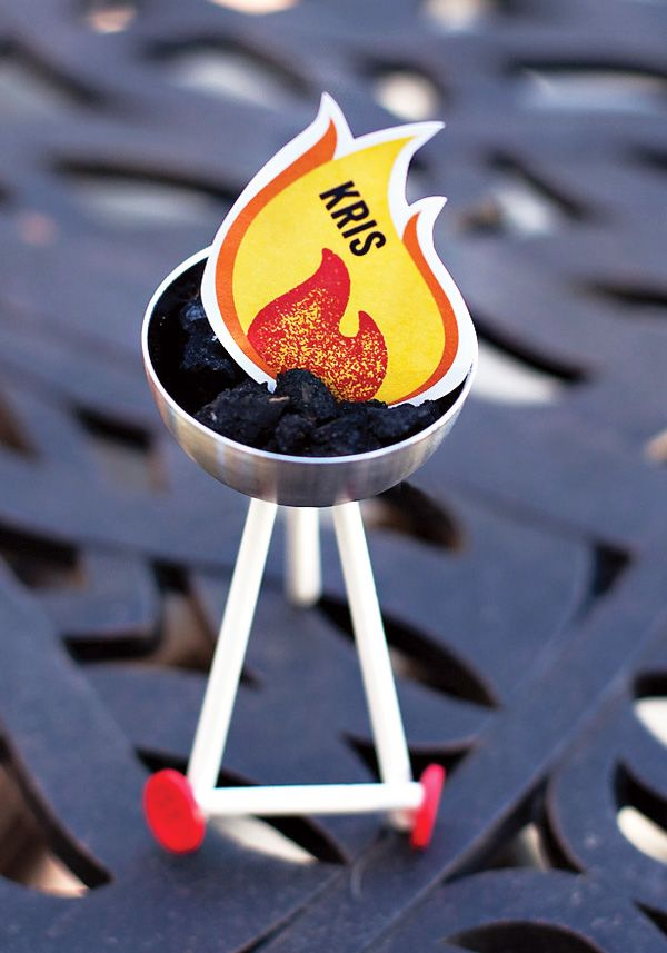 make your own charcoal grill place cards - 4th of july party?