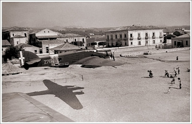Savoia Marchetti S. 79  How Low Can You Get?