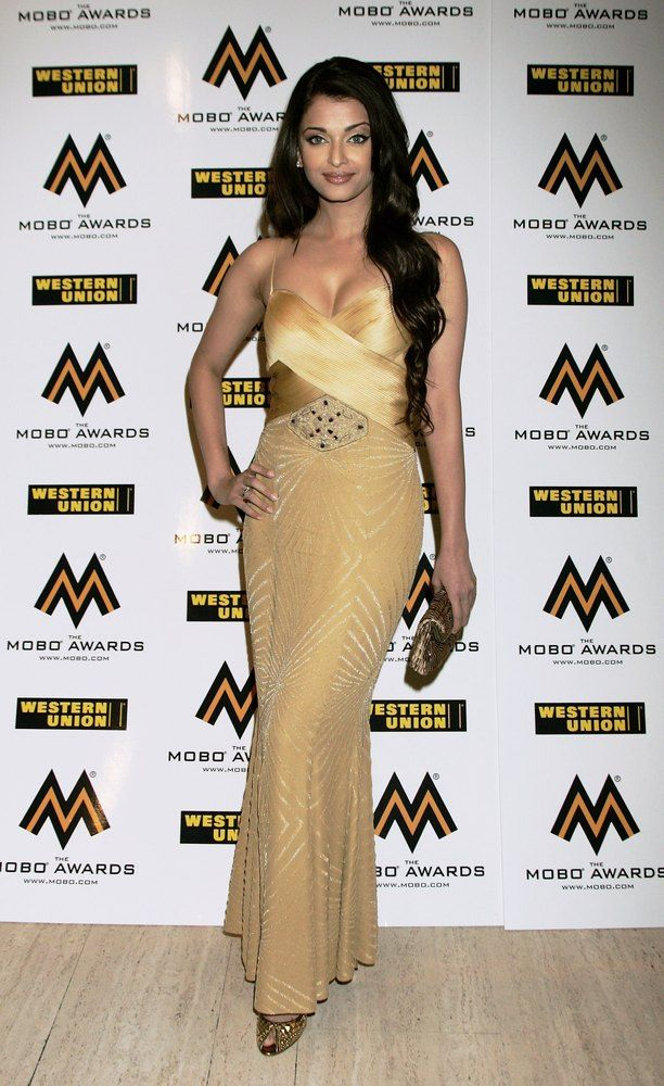 Former Miss World Aishwarya Rai arrives at the MOBO Awards held at the Royal Albert Hall on September 20th, 2006 in London, England.