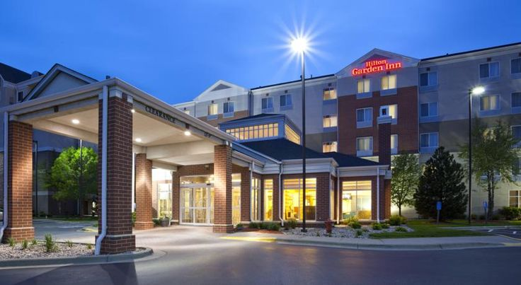 Hilton Garden Inn Bloomington Bloomington Minutes from St. Paul International Airport and the world-famous Mall of America shopping center, this hotel features spacious accommodations along with many modern conveniences, including free shuttle service.