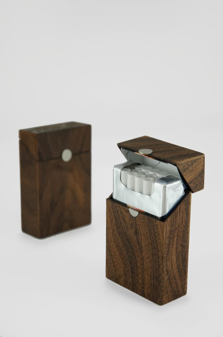 Walnut wooden case. Chalk holder