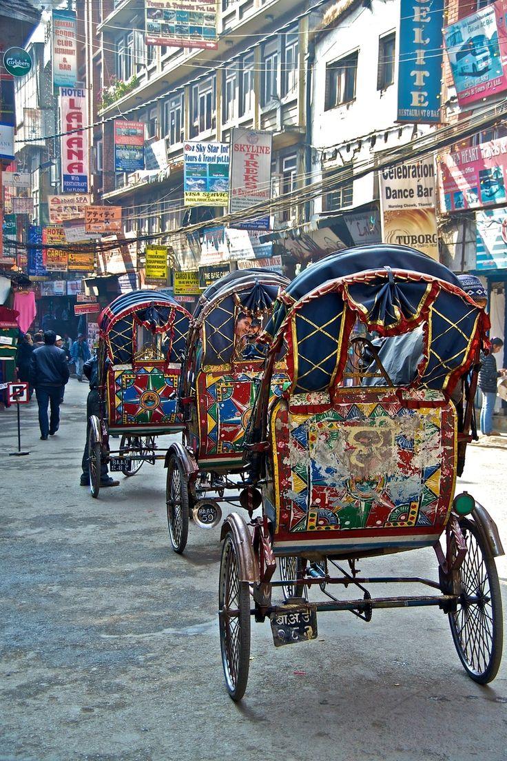 Rickshaws dans les rues de Katmandou, Népal