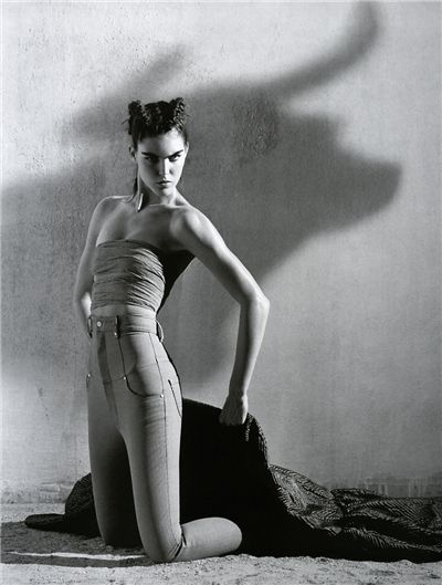 Hilary Rhoda by Mark Segal for Vogue Paris December/January 2006/2007: ru_glamour