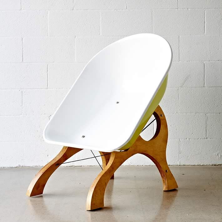 Wheelbarrow Chair by Karl Sanford. 1330 best Recycled Furniture Projects   Ideas images on Pinterest
