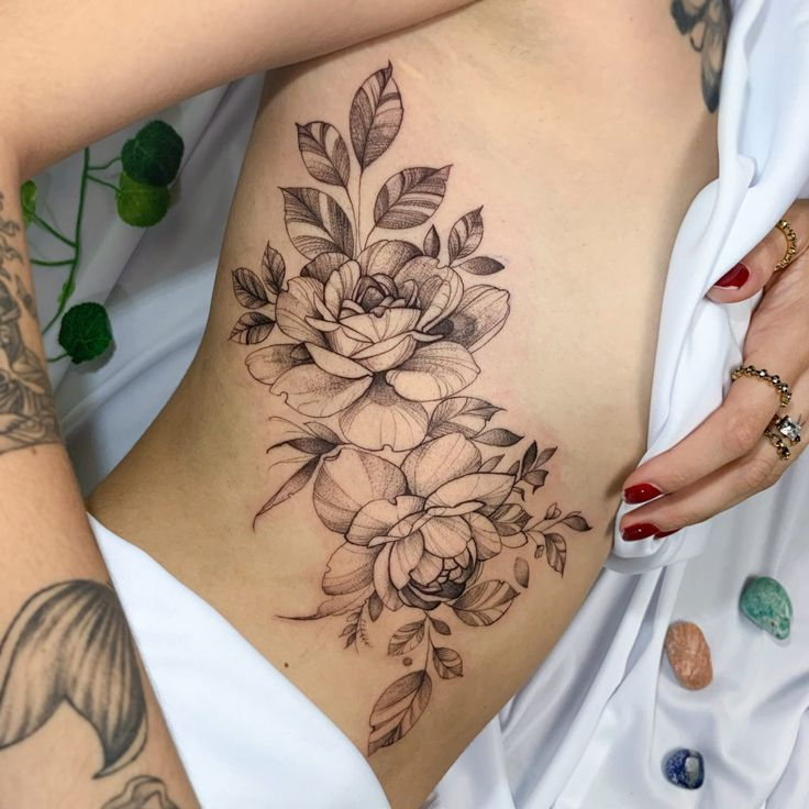 Tatuagens na Costela: vem ver essas ideias! - Blog Tattoo2me em 2020   Tatuagem costela feminina, Tatuagem costela, Tatuagens