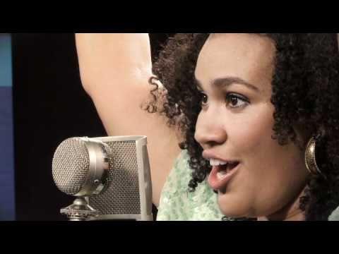"""WOW !!!!!!! - Mariene de Castro canta """"Um Ser de Luz"""" no Sambabook João Nogueira"""