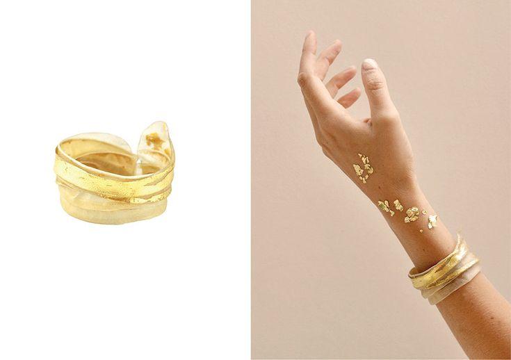 "Elisabeth Habig ""The course of time"" bracelet, 2017 material: parchment, 14kt gold"
