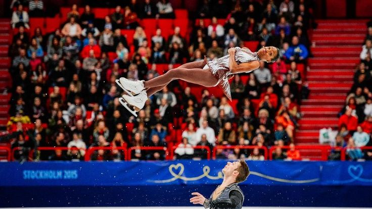 Höhenflug: Eiskunstläufer Morgan Cipres wirbelt seine Partnerin Vanessa James durch die Luft