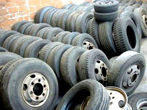 ikinci-el-jantlı-kamyon-lastikleri http://www.hurdalastik.net/ikinci-el-cikma-jantli-kamyon-lastikleriniz-alinir/