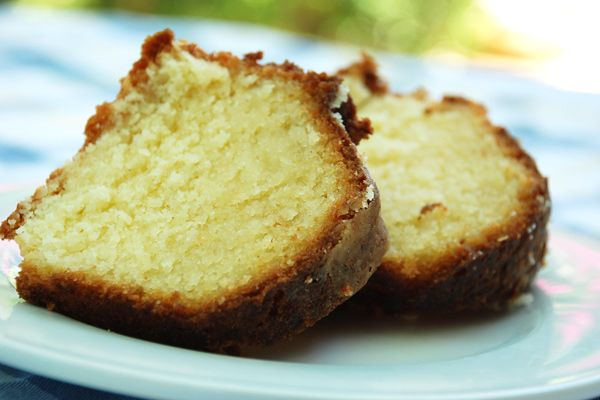 Κέικ λεμονιού με λιμοντσέλο