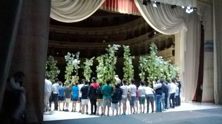 """""""Bambini all'opera"""": gli studenti novaresi portano in scesa l'Aida al teatro Coccia http://libriscrittorilettori.altervista.org/bambini-allol/"""