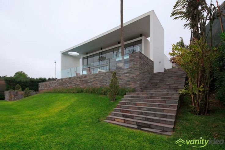 House on the Hill exterior design