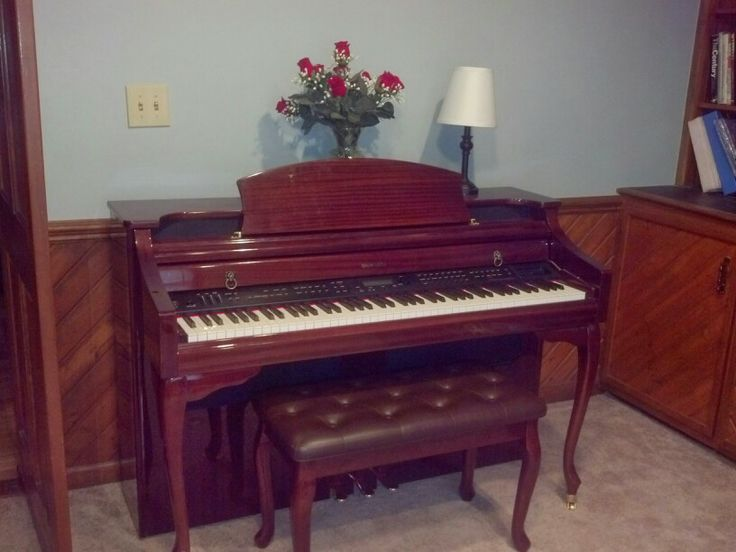 Perfekt Piano With Fake Flower Touch