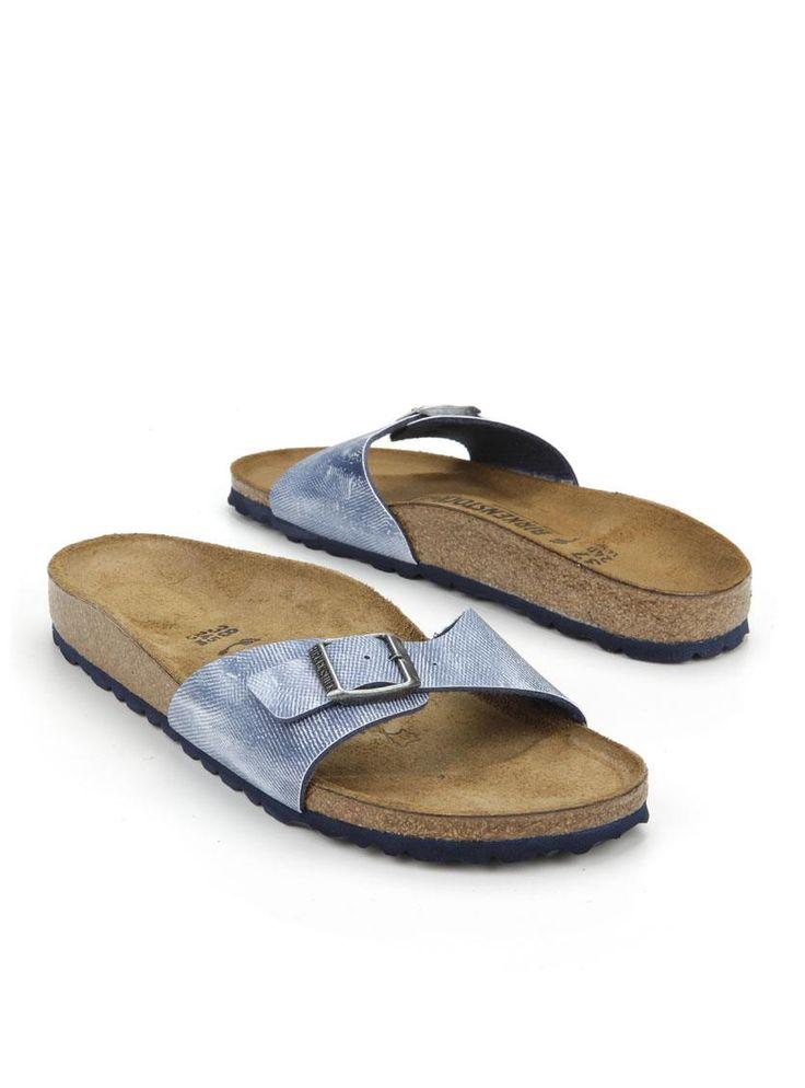 Birkenstock Madrid slipper  Description: Birkenstock Madrid slippers in het blauw. Deze dames slippers zijn voorzien van een leren voetbed.  Price: 51.99  Meer informatie