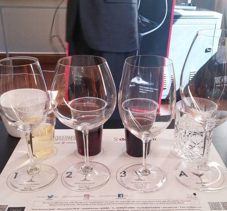Taas kerran mahtava viinitasting vanhalla. Tällä kertaa Riedel. #viini#wines#winelover#winegeek#instawine#winetime#wein#vin#winepic#wine#wineporn herkkusuu #lasissa #Herkkusuunlautasella