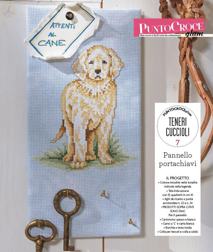 Idea per la casa ricamata con un dolce cagnolone: un comodo pannello portachiavi! Dal numero 17 della Collezione Punto Croce Glam, Mondadori editore