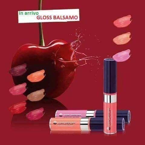 Nuovi GLOSS BALSAMO 💄💋 L'effetto nutriente di un balsamo unito alla brillantezza di un gloss!!  Il segreto per labbra morbide,super lucide, sexy ❤ #staytuned #tantenovitáinarrivo #labellezzavegetale