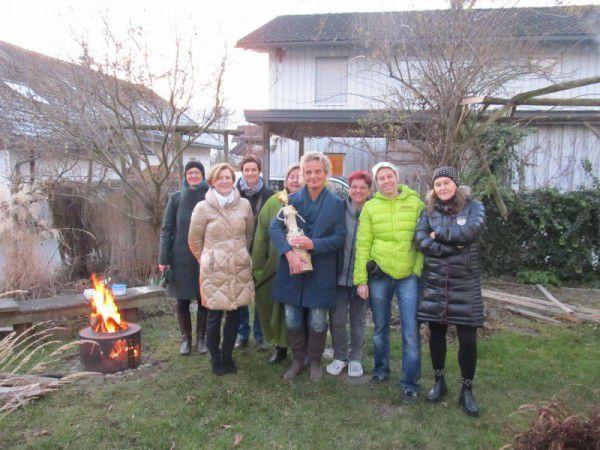 Daniela Peter, Angela Jäger, Sabine Aberer, Katharina Waibel, Renate Feichtinger, Judith Schachinger, Patricia Tschallener und Sonja Markram (v.l.).