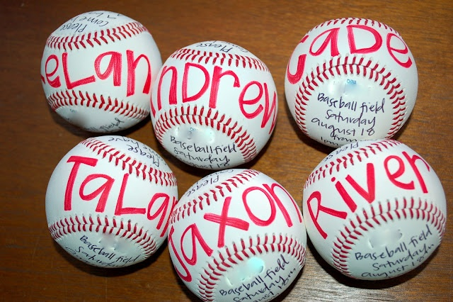 Baseball birthday party - cute invite idea!