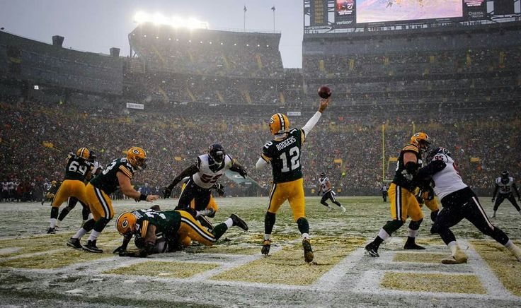 Touchdown for Mr. Rodgers!