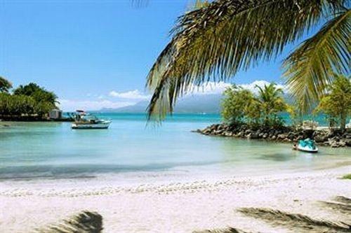 Guadeloupe > Pointe-à-Pitre > Canella Beach ***
