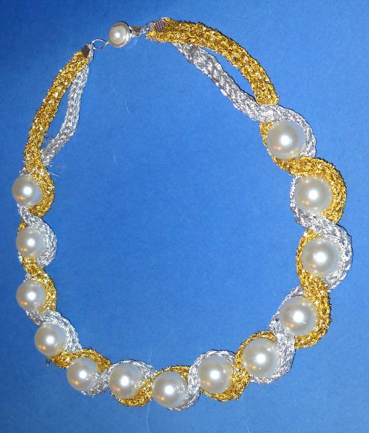 collana all'uncinetto in oro e argento con perle