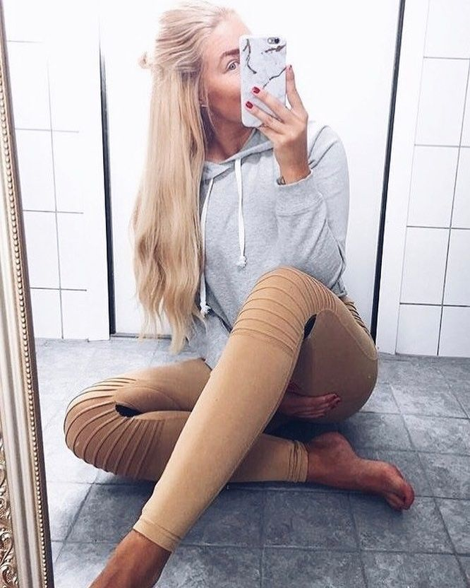 @fitfriiday in the Biker tights  last day of free shipping wide today babes x