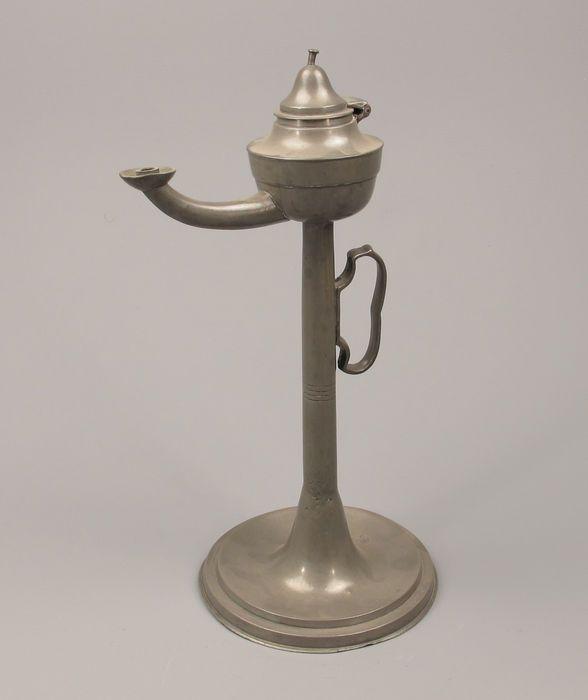 Online veilinghuis Catawiki: Antiek tinnen Olielamp - 19de eeuw.