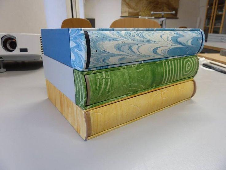 celopapírová knižní vazba s pouzdrem, celkem 3x