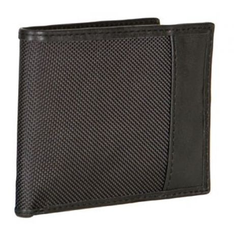A person with a scanner could potentially read the personal data on your card or passport. The Travelon RFID blocking products blocks transmission of this information when the cards are in the RFID blocking product, compartment or pocket, preventing unauthorized access. The Travelon RFID Wallet features 6 card slots and 4 side compartments.