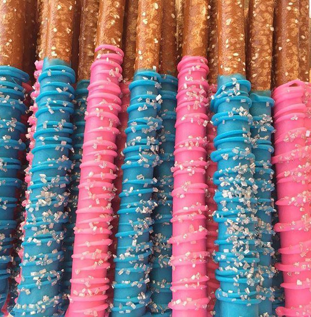 Pink/blue pretzels