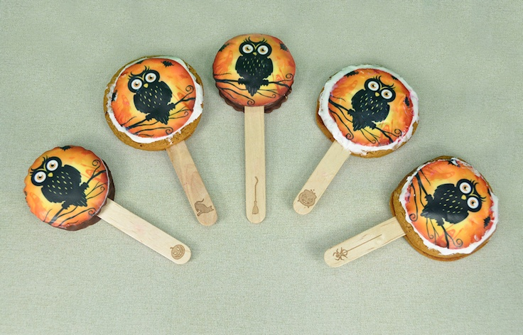 Halloween Owl Moon Pie Pops These are so cute and would be so easy to ...