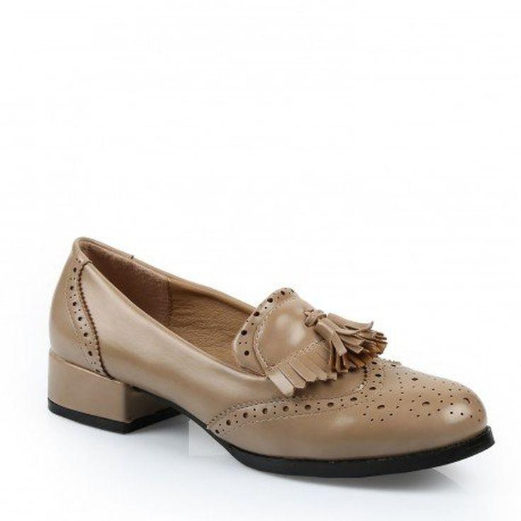 Ideal Shoes - Mocassins à talon avec franges Maryssa #Mocassins #chaussures http://allurechaussure.com/ideal-shoes-mocassins-a-talon-avec-franges-maryssa/