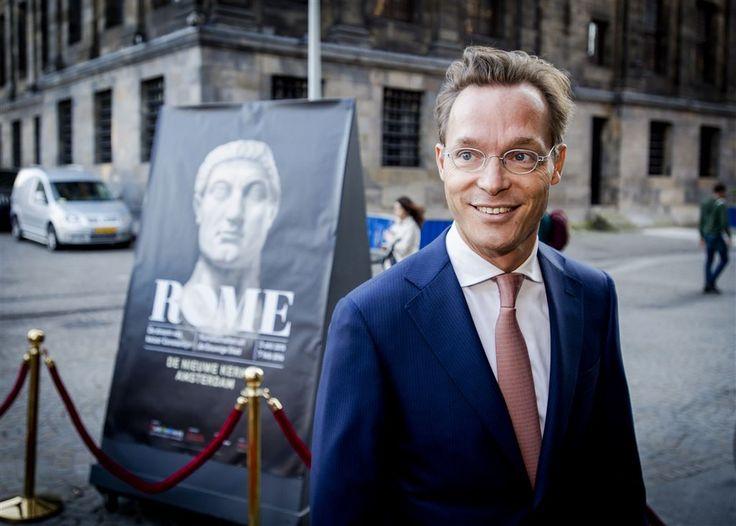 AMSTERDAM - 1-10-2015. Prins Jaime de Bourbon de Parme heeft donderdagavond in Amsterdam de tentoonstelling Rome, de droom van keizer Constantijn geopend. De prins, neef van koning Willem-Alexander, is sinds vorig jaar Nederlands ambassadeur bij de Heilige Stoel.