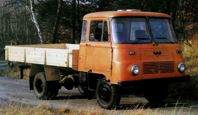 TÖRTÉNELMI KALEIDOSZKÓP...: Könnyű teherautók a szocializmusban / Folytatás a posztban
