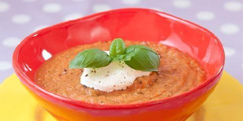 Tomatisert supersuppe - Her skjuler det seg mange vitaminer.