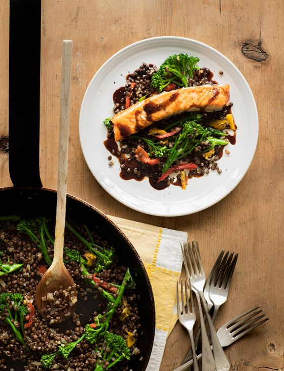 Grilled salmon and Puy lentil salad - Simple, healthy, and quick to whip up