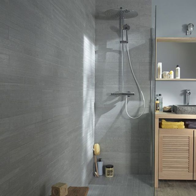 Carrelage sol et mur gris frezza 30 x 60 cm castorama for Carrelage sol castorama