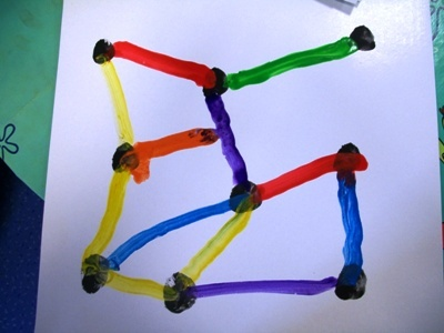 Unir los puntos con rectas de colores.P3