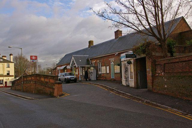 Reigate Railway Station (REI) in Reigate, Surrey