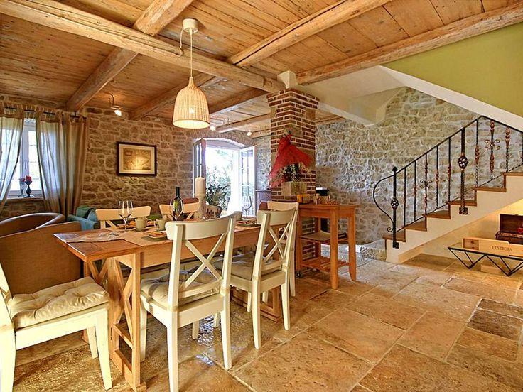 Autenthisches und gemütliches Ferienhaus mit Pool und Grill in Istrien. #Urlaub #travel holidays #Luxus #besonders #special #Sommer #summer #sun #imUrlaubwiezuhausefühlen