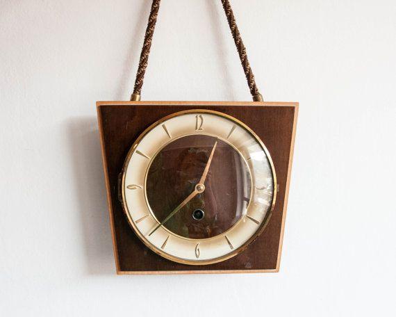 1000 id es sur le th me horloge de bureau sur pinterest horloges horloges de bois et horloges. Black Bedroom Furniture Sets. Home Design Ideas