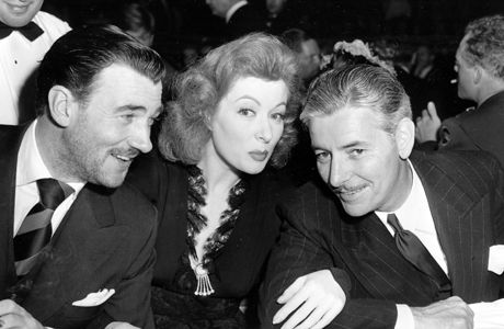 Walter Pidgeon, Greer Garson, and Ronald Coleman at the 1943 Academy Awards.
